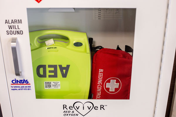 AED and Bleeding Control Kit